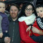 Az ír kisfiú hazatér, miután legalizálták az orvosi kannabiszt