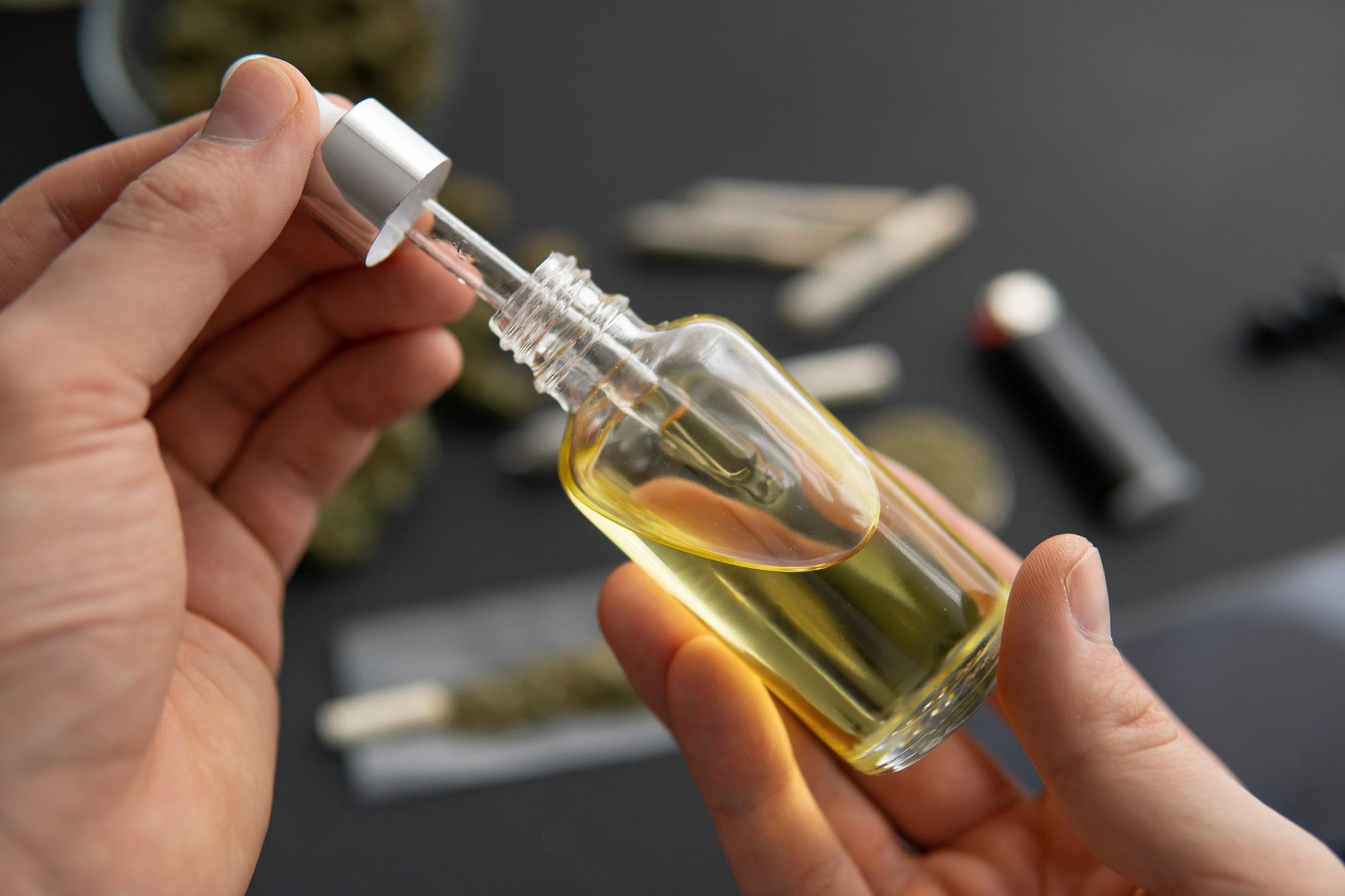 Az THC hatékonyan csökkenti idős betegek fájdalmát   Magyar Orvosi Kannabisz Egyesület