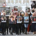 A családok tiltakoznak az orvosi kannabisz szabályozás ellen Angliában